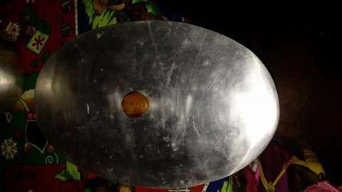 Fuente ovalada de aluminio grueso con tapa - 1