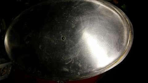 Fuente ovalada de aluminio grueso con tapa - 2