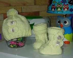 Gorrito y zaparitos de crochet