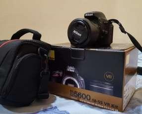 Camara NIKON D5600 18-55mm kit