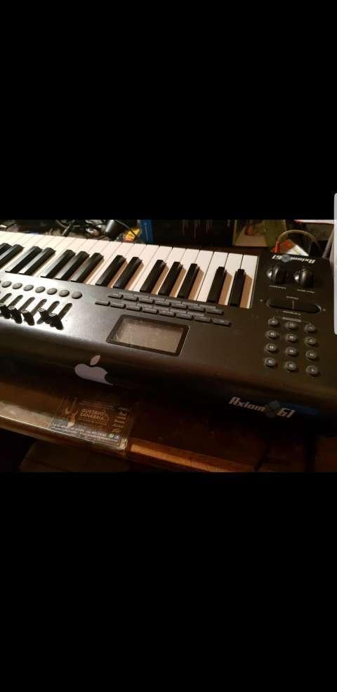 Teclado Controlador Midi M-Audio Axiom 61 - 4