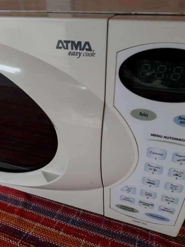 Microondas Atma de 20 lts