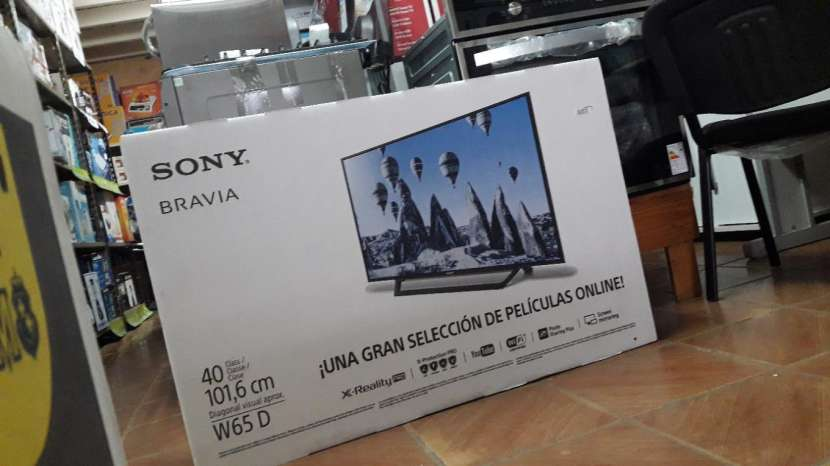 TV LED Smart Sony Bravia de 40 pulgadas - 0
