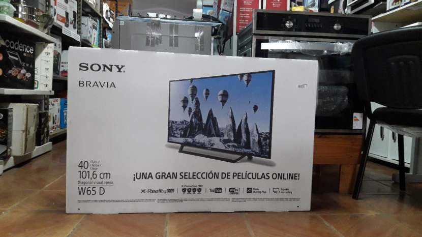 TV LED Smart Sony Bravia de 40 pulgadas - 1