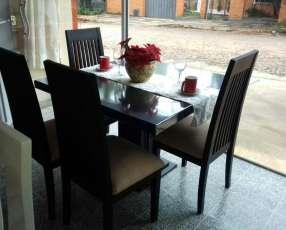 Comedor de cuatro sillas