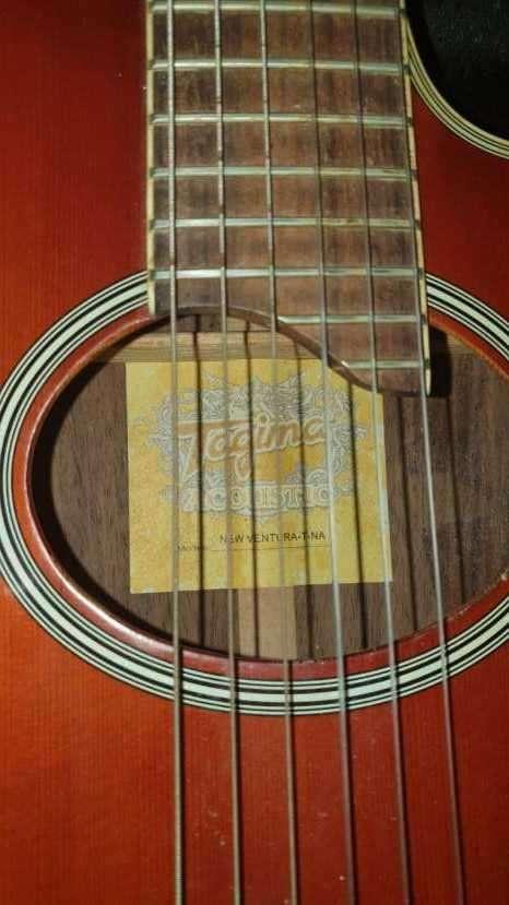 Guitarra acústica - 2