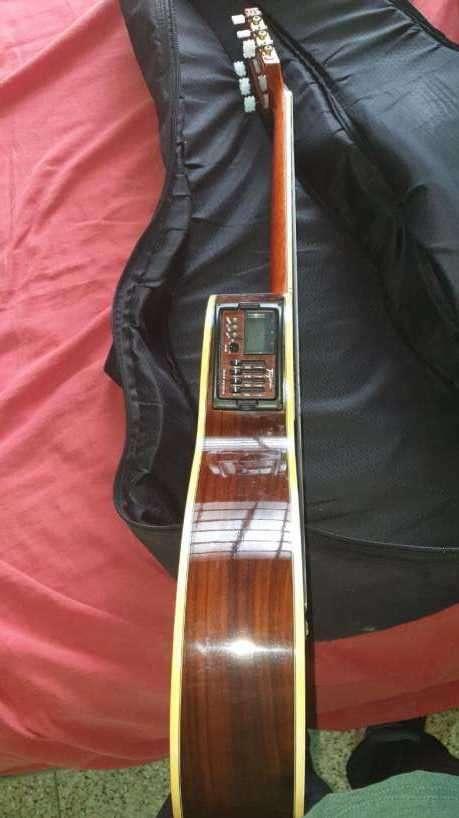 Guitarra acústica - 6