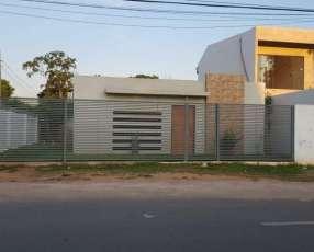Casa en Fernando de la Mora zona Sur