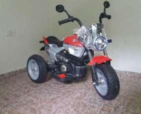 Autos y motos a batería