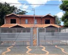 Duplex con piscina en Fernando de la Mora zona Sur