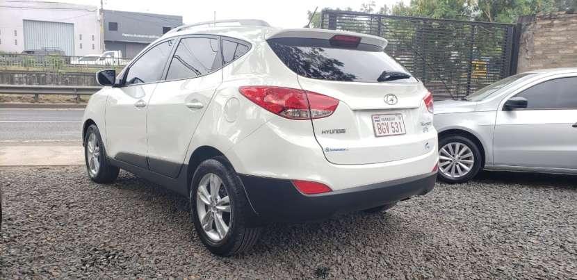 Hyundai Tucson 2011 blanco - 3