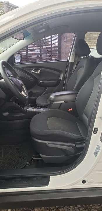Hyundai Tucson 2011 blanco - 5