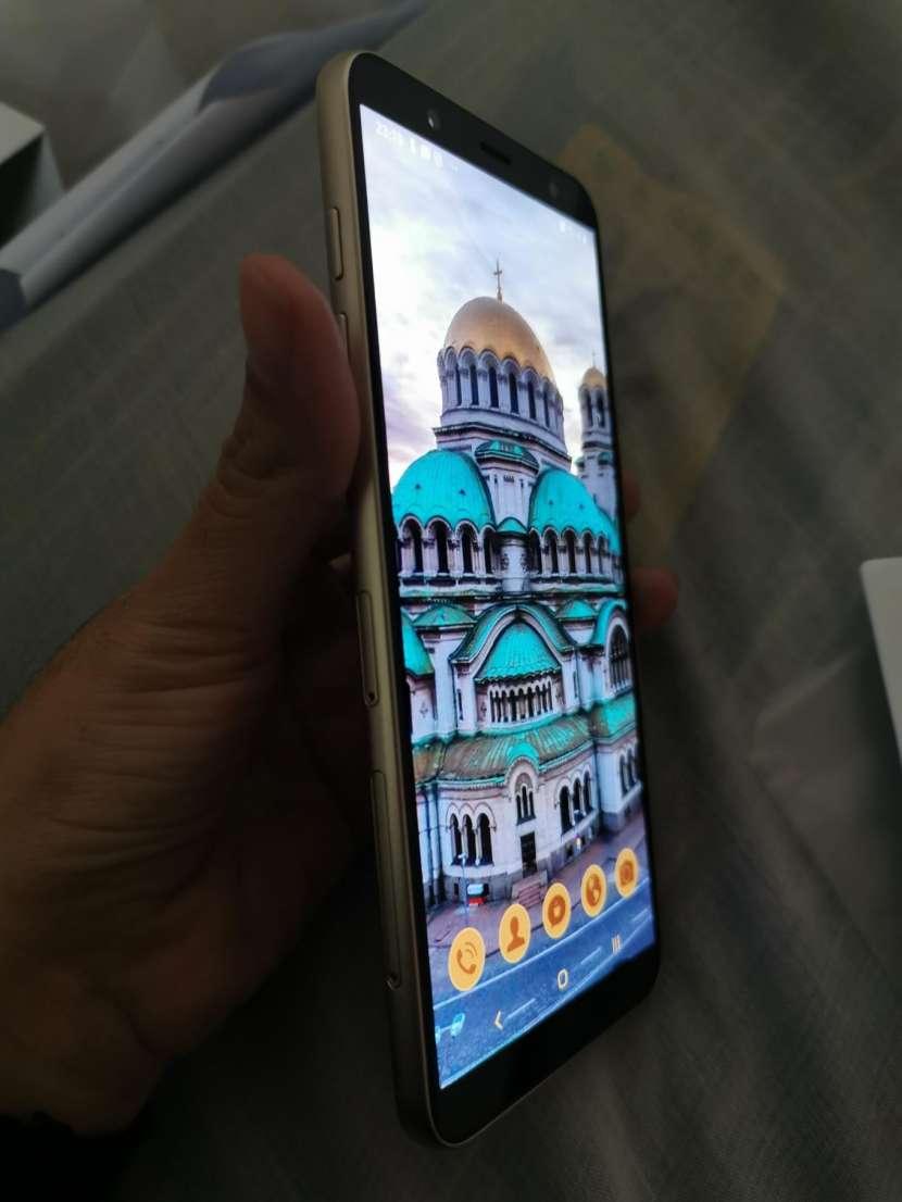 Samsung Galaxy J8 - 0