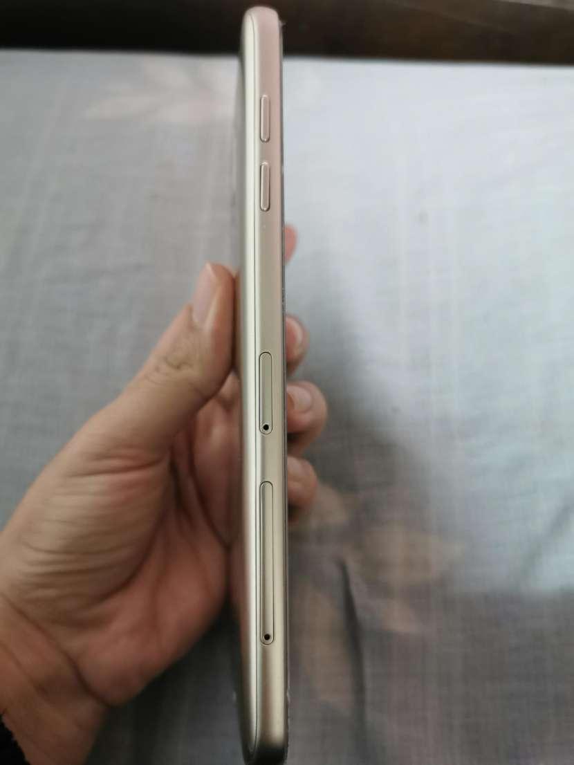 Samsung Galaxy J8 - 2