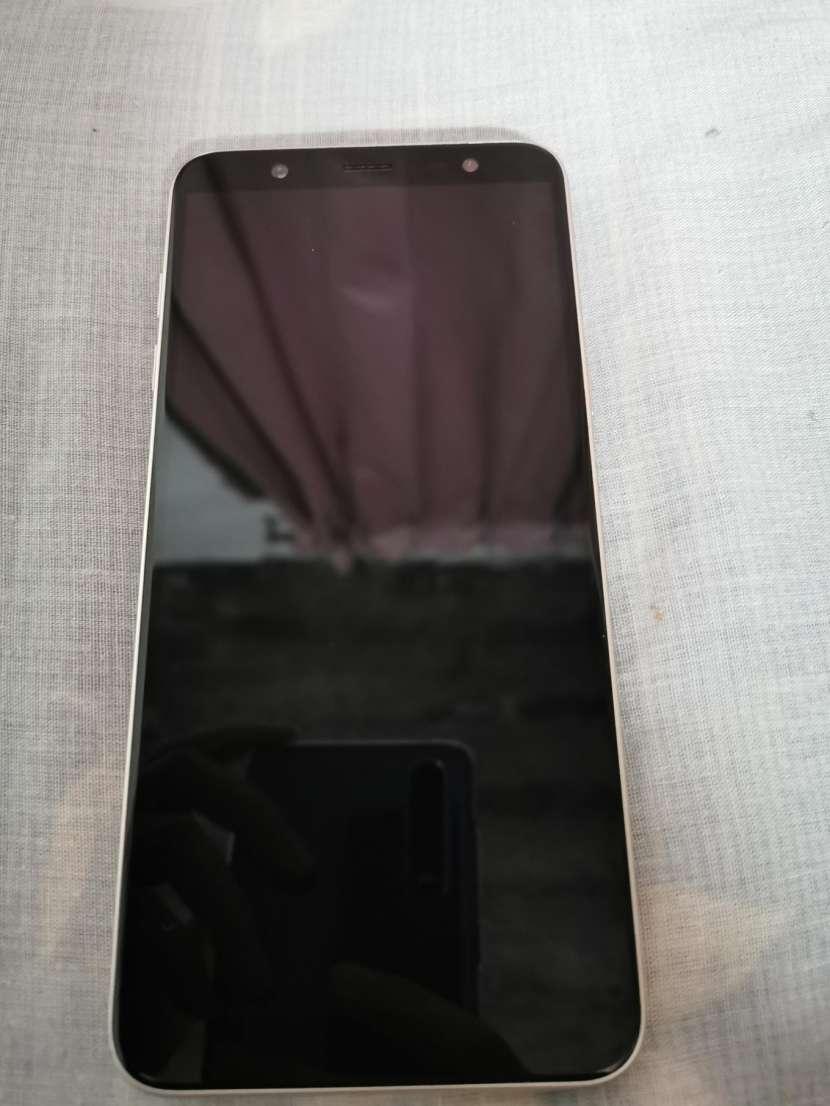 Samsung Galaxy J8 - 4