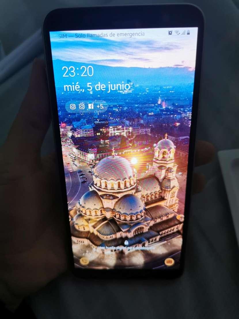 Samsung Galaxy J8 - 5