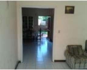 Casa en ciudad de Ñemby barrio Villa Anita