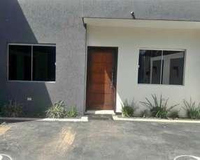 Duplex en Fernando de la Mora Barrio Bernardino Caba