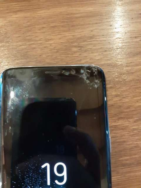 Samsung Galaxy S8 fisurado - 3