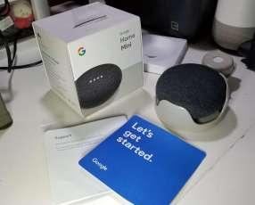 Google Home Mini con base