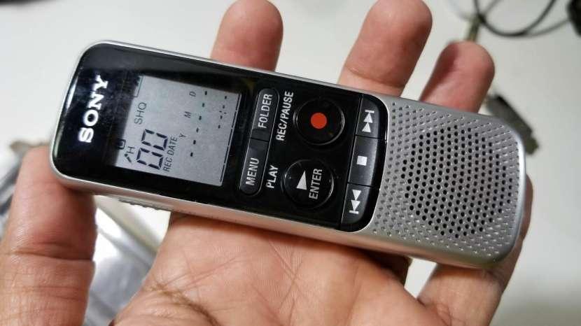 Grabadora Digital de Voz Sony ICD-BX140 de 4GB - 0