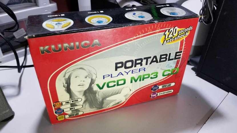Reproductor de Discos MP3 y VCD Kunica - 1