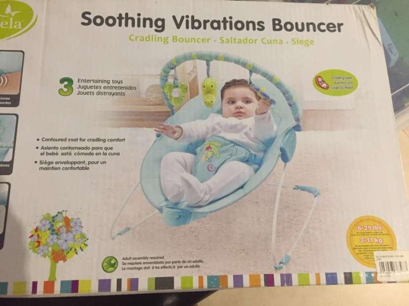Mecedora para bebé con vibrador - 1