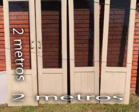 Puertas de madera con vidrio