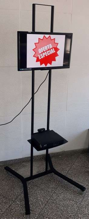 Soporte de piso móvil para tv 2 metros con ruedas - 1