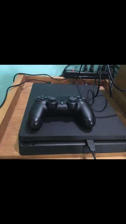 PS4 1tb semi nuevo - 0