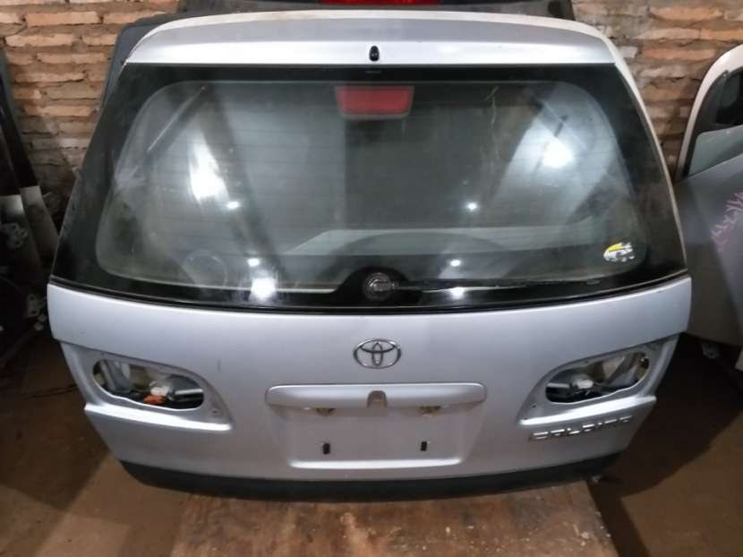 Tapa trasera para Toyota Caldina - 0
