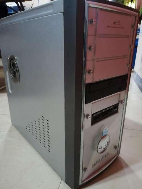 Computadora Pentium Dual Core - 1