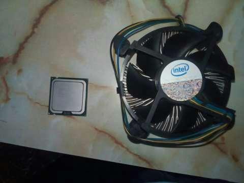 Procesador Celeron E3300 + Disipador - 0