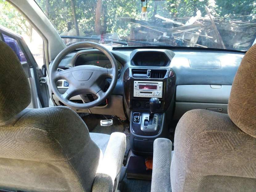 Mitsubishi Grandis 1999 - 0