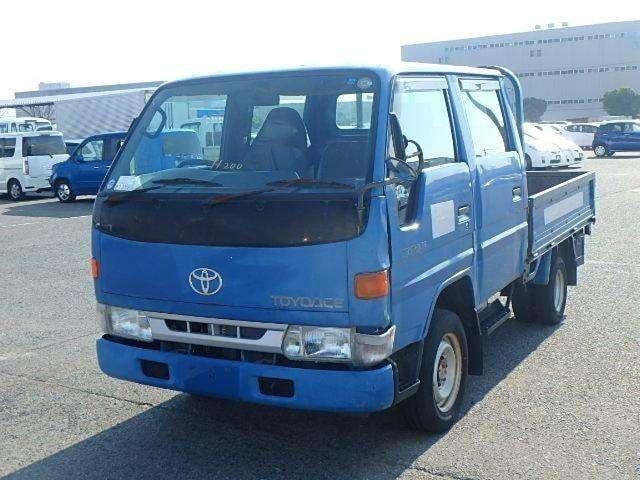 Toyota dina - 0