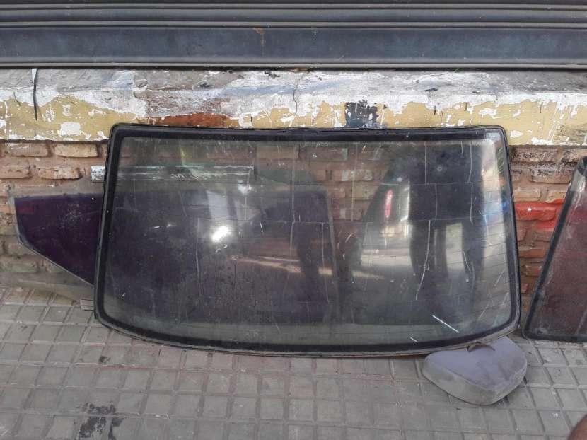 Parabrisas trasero y vidrios de puerta Daewoo Racer - 2