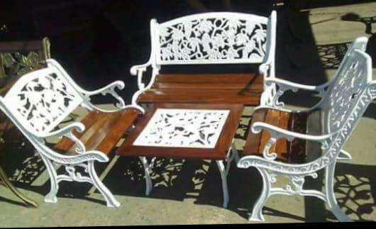 Mueble metálico y de maderas - 5