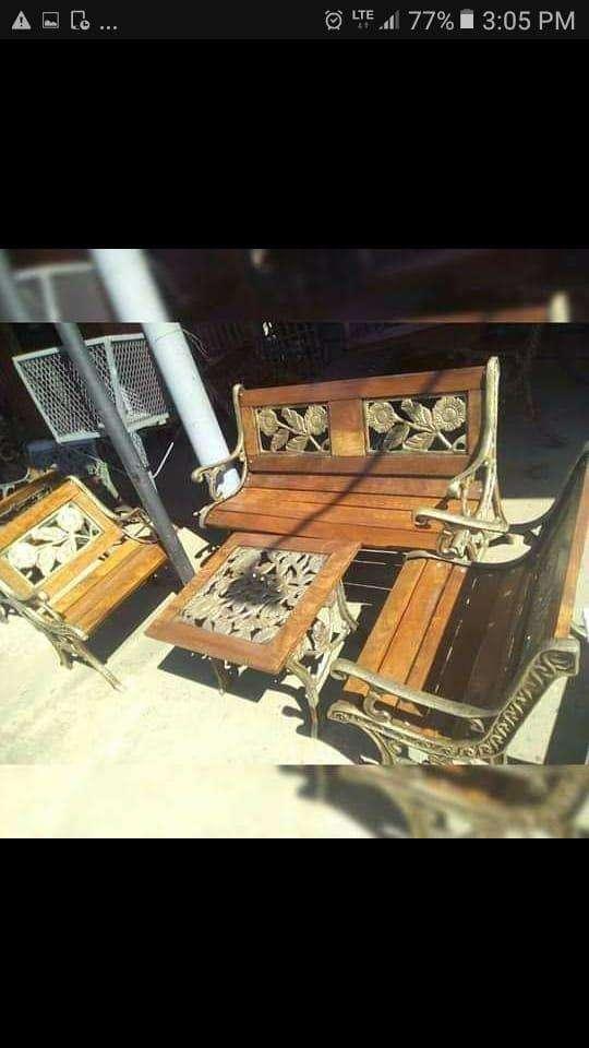 Mueble metálico y de maderas - 6