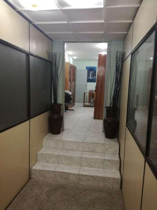 Edificio de 15 ambientes zona Céntrica - 2