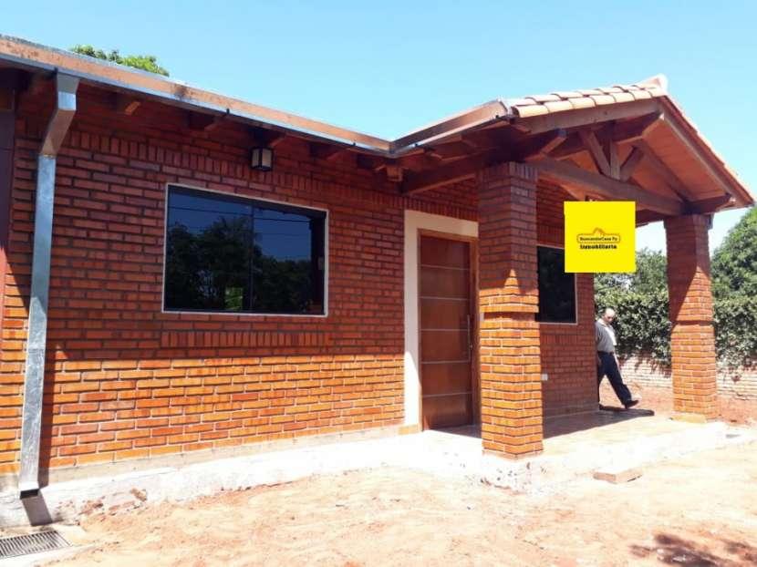 Casa entre Villa Elisa y Ñemby F3110