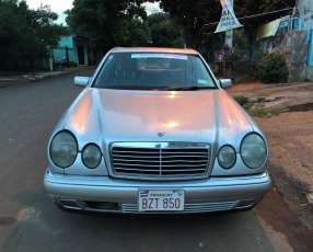 Mercedes Benz - E300 - Turbo Diesel - 1999