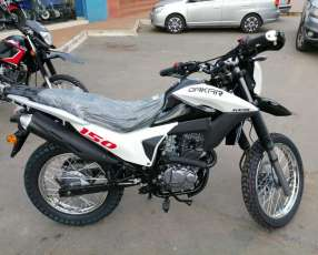 Motos Kenton y Yamaha