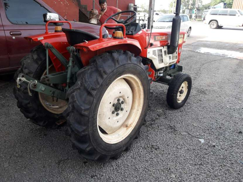 Tractor yanmar - 1