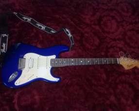 Squier Fender con Ampli