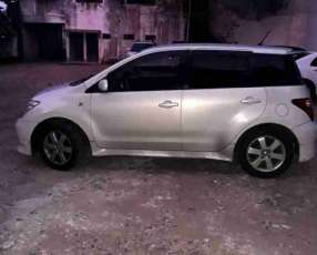 Toyota IST 2004 Color Champagne