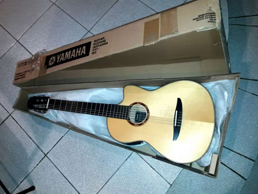 Guitarra profesional yamaha NCX900 - 1