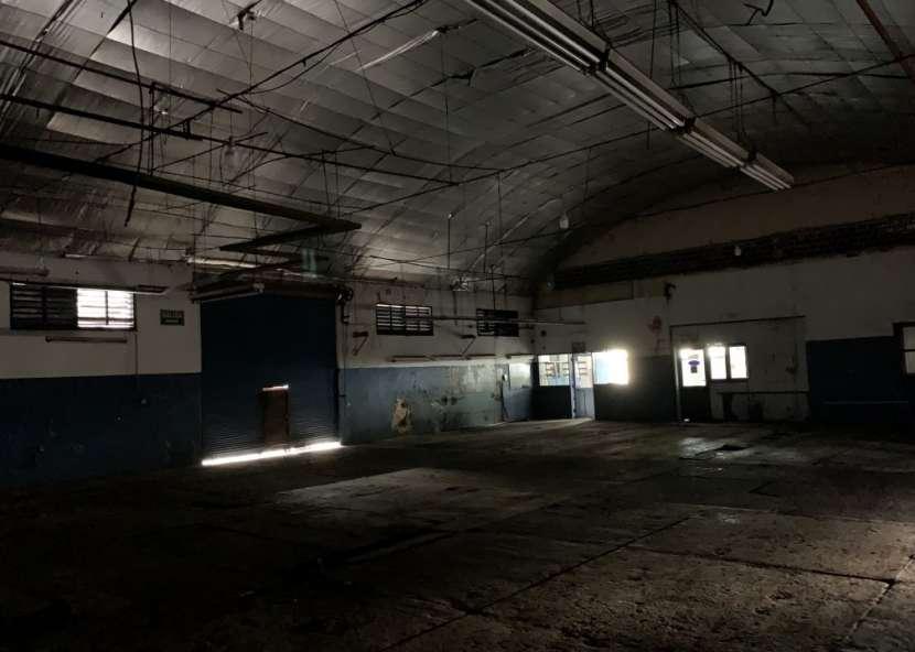 Tinglado de 1200 m2 Sobre Avda. Artigas - 6