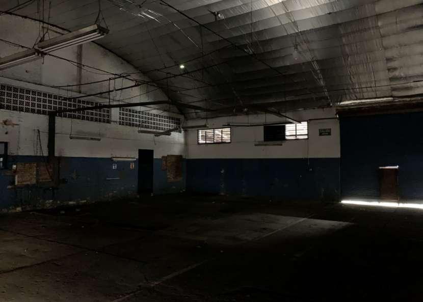 Tinglado de 1200 m2 Sobre Avda. Artigas - 8