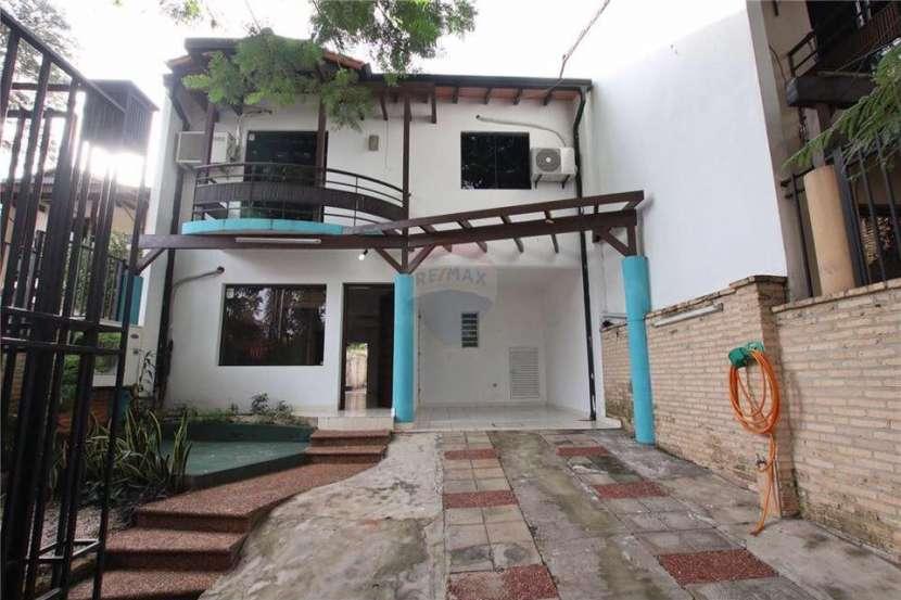 Duplex en zona las Palmas de Lambaré - 0