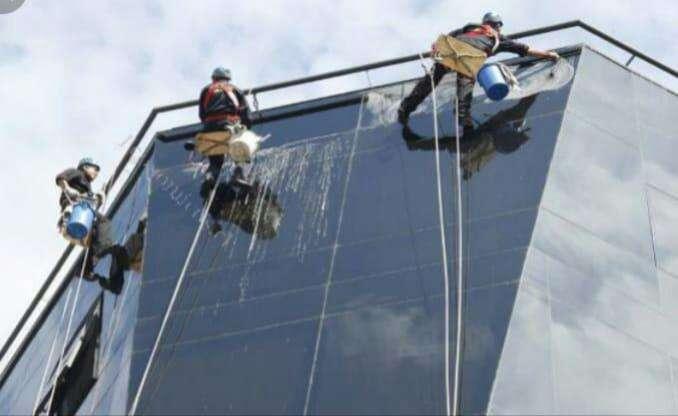 Servicios de limpieza de vidrios - 2